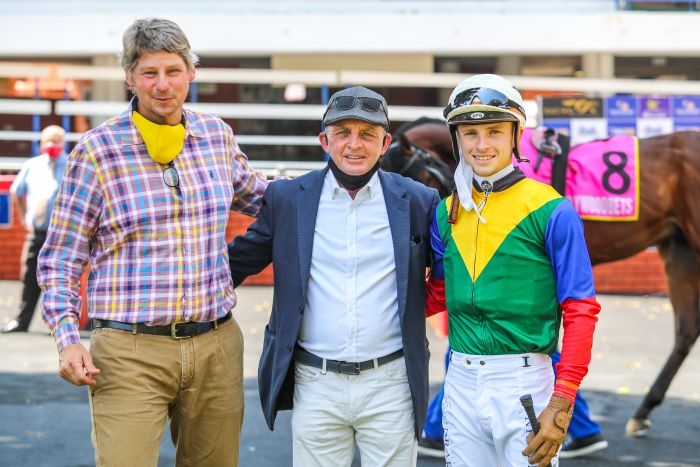 Mike de Haast (IRC), Carl Hewitson and Lyle Hewitson.